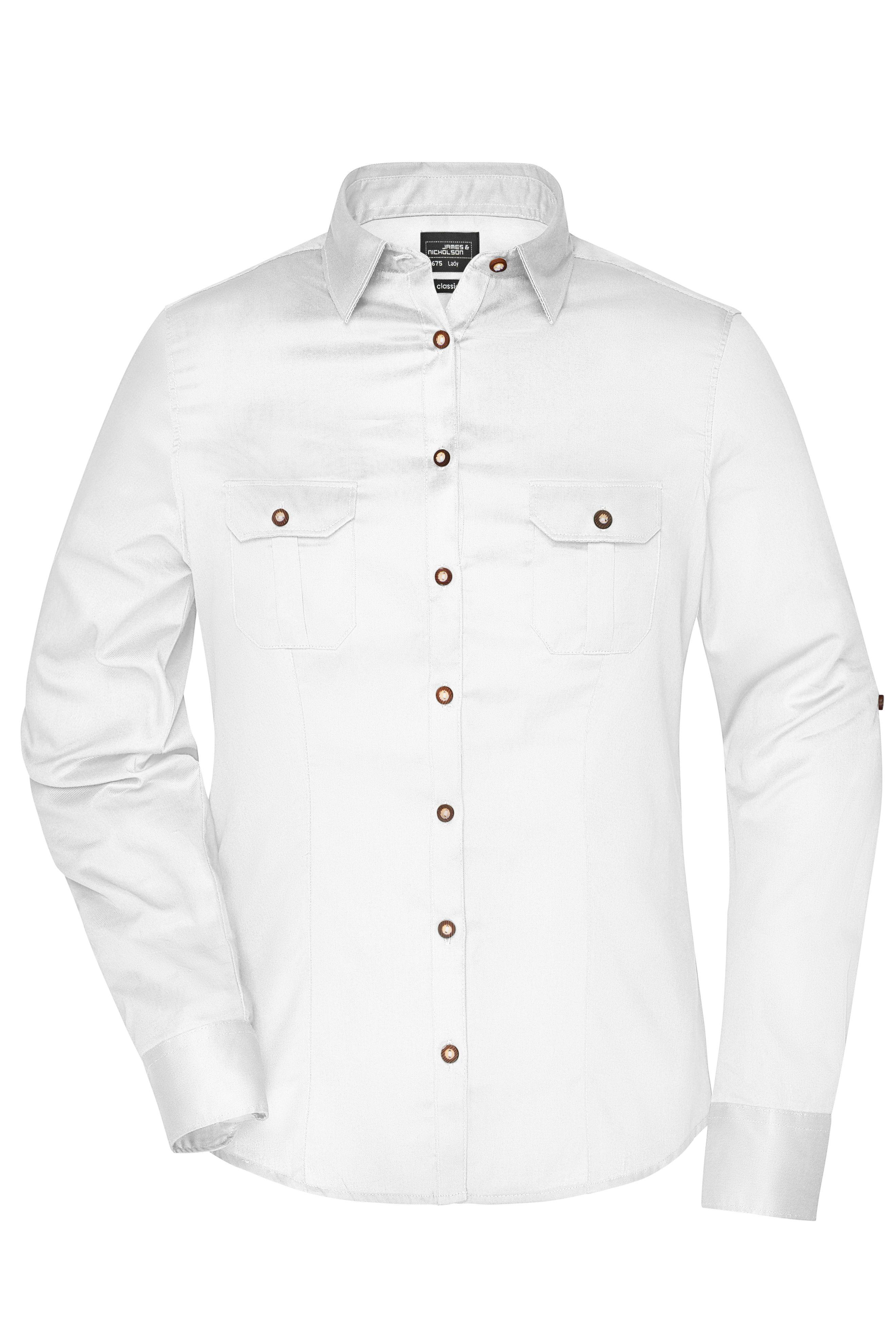 Damen-Bluse und Herren-Hemd im Trachtenlook